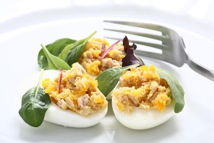Uova ripiene con tonno, antipasti di pasqua